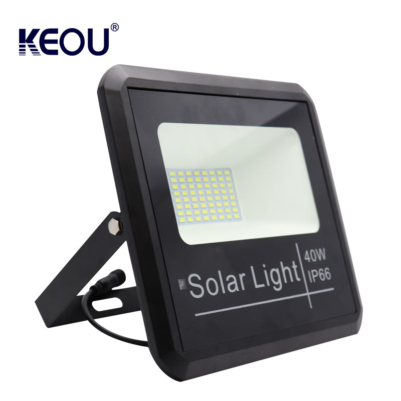 led flood light solar powered 40w Ce Rohs Rechargeable  Energy saving ip66 warm white sport ground lamp